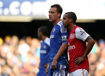 John Terry et Theo Walcott lors de Chelsea - Arsenal, le 29 octobre 2011.